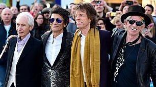 """Londra celebra i 50 anni dei Rolling Stones con la mostra """"Exhibitionism"""""""