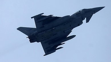 Finmeccanica brinda alla vendita di 28 caccia Eurofighter al Kuwait