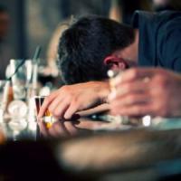 """""""Dipendenza da alcol o droga in adolescenza diminuiscono la considerazione per gli altri"""""""