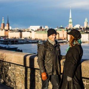 """""""Pronto chi parla?"""", risponde uno svedese a caso: il centralino 'condiviso' che accoglie i turisti"""