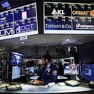 Le Borse Ue rimbalzano. Banche sugli scudi, Milano scatta del 4%