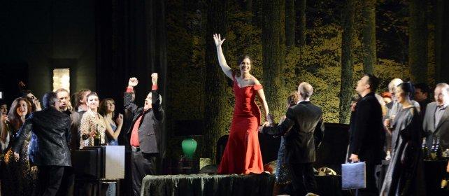 Intramontabile Traviata    Video     dirige Nello Santi, regia Carsen