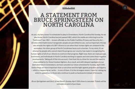 Springsteen cancella concerto in North Carolina: legge sui bagni discrimina i trans