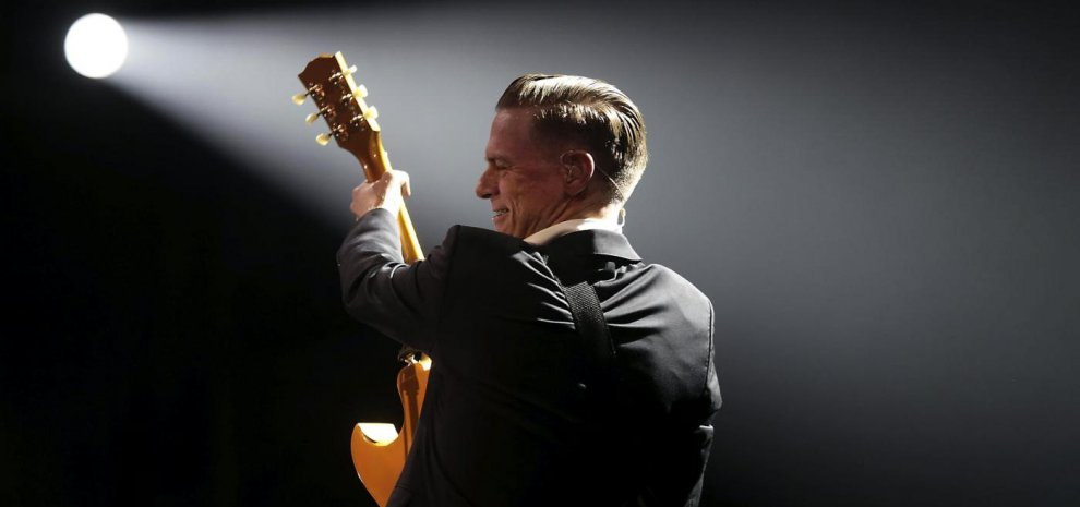 Bryan Adams come Springsteen: stop allo show in protesta contro la legge anti gay