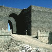 Iraq, Is distrugge mura e porte monumentali di Ninive