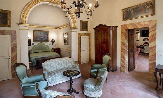 I segreti di san gimignano in una casa museo del fai for Planimetrie della casa di saltbox