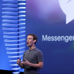 """Zuckerberg lancia il suo manifesto politico: """"Speranza, non muri"""""""