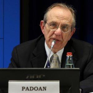 """Padoan: """"Stime Fmi sull'Italia? Vedremo chi ha ragione"""""""