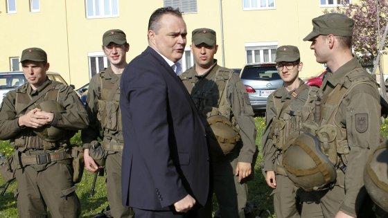"""Migranti, Austria: """"Pronti a chiudere Brennero"""". Gentiloni: """"Sarebbe grave"""""""