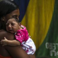 """""""Zika causa microcefalia"""". I consigli per le donne in gravidanza"""