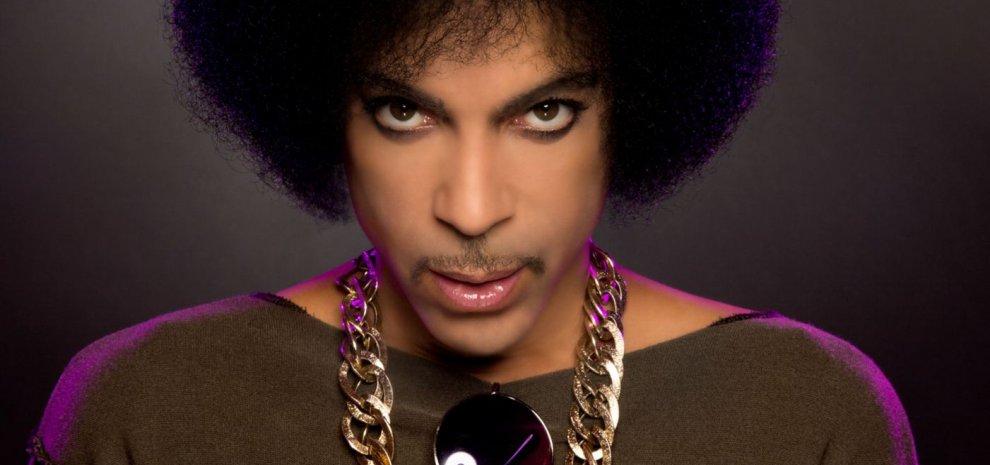 Malore per Prince, trasportato in ospedale dopo un atterraggio di emergenza