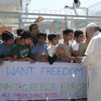 Il Papa a Lesbo, chi sono i 12 profughi che ha portato con sé
