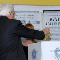 Referendum trivelle: politici, star e cittadini votano ai seggi