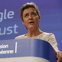 """L'Antitrust Ue: """"Con Android Google viola le regole. Abusa della posizione dominante"""""""