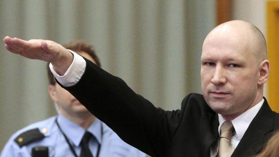 Norvegia, Breivik vince causa contro Stato: violati i suoi diritti umani durante la detenzione