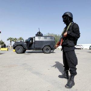 """Libia: battaglia fra milizie islamiche e l'Is. La """"shura"""" libera Derna dai terroristi"""