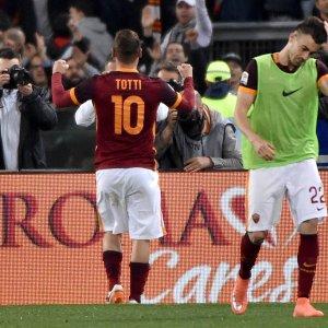 Totti, 22 secondi per segnare 7900 giorni dopo il primo gol