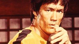 Bruce Lee, il mito del dragone rivive in quattro film restaurati. e un biopic in arrivo
