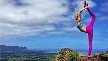 Viaggi, esercizi, cibo sano i 10 account 'top' di yoga
