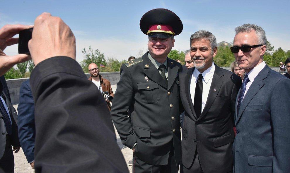 Armenia, 101 anni dal genocidio: Clooney in testa alla marcia di commemorazione