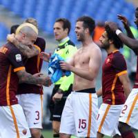 Roma-Napoli 1-0, Nainggolan riapre i giochi per il secondo posto