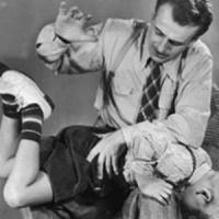 """""""La sculacciata rende i bambini aggressivi"""""""