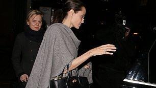 """Tormentone Angelina Jolie """"Dimagrisce ancora"""", fan scatenati"""