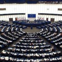 L'Ue verso la fine del roaming, via al maxi taglio delle tariffe