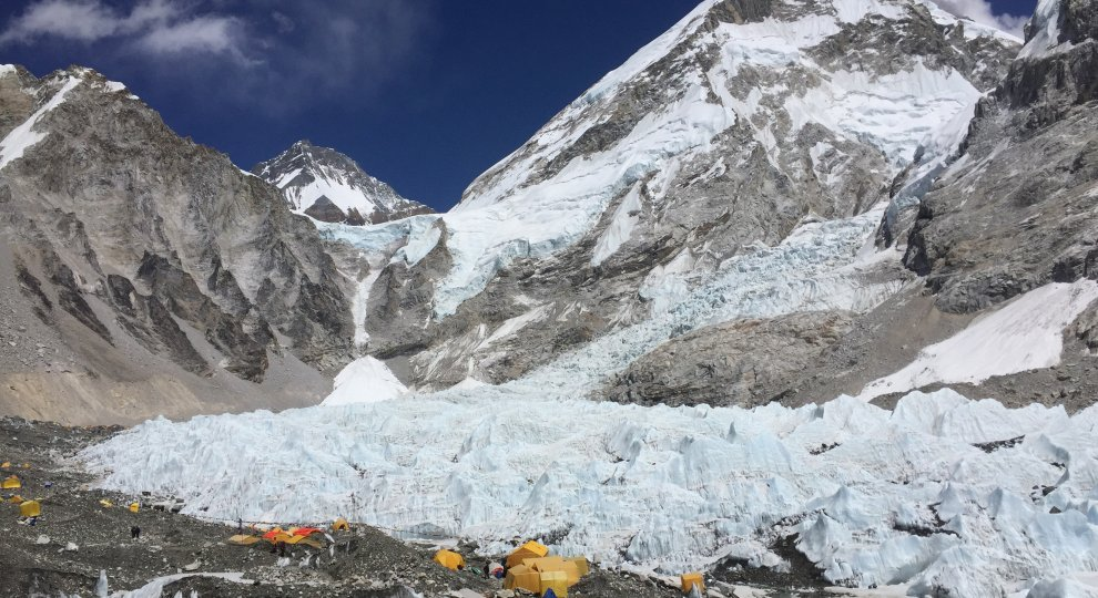 Nepal, 1 anno dopo.    Ft   Everest  -   Langtang