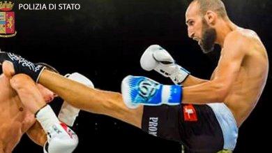 """Terrorismo, sei arresti  foto  -      video     Il kickboxer dell'Is : """"Voglio essere  il primo che colpirà l'Italia"""""""