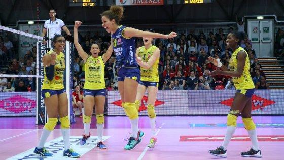 Volley donne, Conegliano espugna Piacenza: mani sullo scudetto