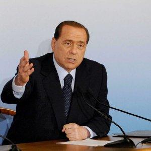 """Berlusconi agli alleati: """"Divisi perdiamo"""". Meloni: """"Vuole rafforzare governo infame"""""""