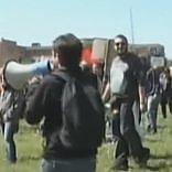 Pisa, scontri e contestazioni   video   polizia carica antagonisti: feriti   ft