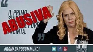 Sabina Guzzanti è Giorgia Meloni L'appello coatto agli elettori