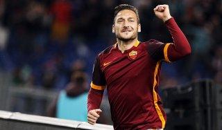 """Roma, Luis Enrique: """"Vorrei Totti al Barça"""". Ma il rinnovo ormai è a un passo"""