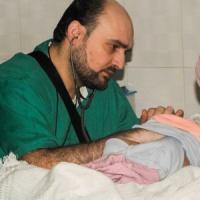 ''Morto per salvare vite umane''. Su Facebook il ricordo dell'ultimo pediatra di Aleppo