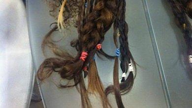 Bari, studentesse donano i capelli alle pazienti in terapia per un tumore