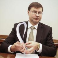 """Dombrovskis: """"Roma eccelle nelle riforme, ora serve sforzo sul deficit"""""""