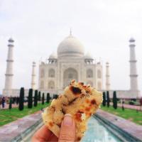 Meglio il cibo o il panorama? Le cartoline della blogger in giro per mondo