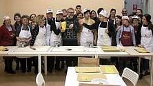 Nonne volontarie insegnano i segreti  del tortellino  a 21 ragazzi autistici   di STEFANO PASTA
