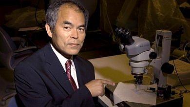 """Nakamura, il Nobel che inventò il Led  """"La mia lampadina salverà il mondo""""   Video"""