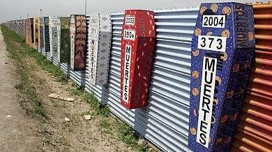 Tijuana, sotto il muro che divide l'America