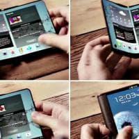 Samsung, lo smartphone con display pieghevole