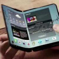 """Smartphone con schermo pieghevole, Samsung: """"Entro il 2017''"""
