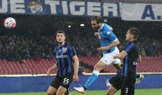 Napoli-Atalanta 2-1: Higuain risponde alla Roma, azzurri secondi