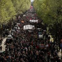 Il Jobs Act francese arriva in Parlamento: tensioni sulle 35 ore