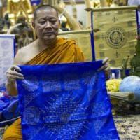 Leicester vince anche in Thailandia: festa nel tempio buddista