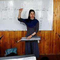 """Afghanistan, Negin Khpalwak: """"Con la musica sfido il regime talebano"""""""