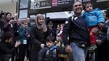 """Arrivati a Roma  altri 101 profughi  siriani e iracheni  """"Pronti per cominciare  una nuova vita"""""""
