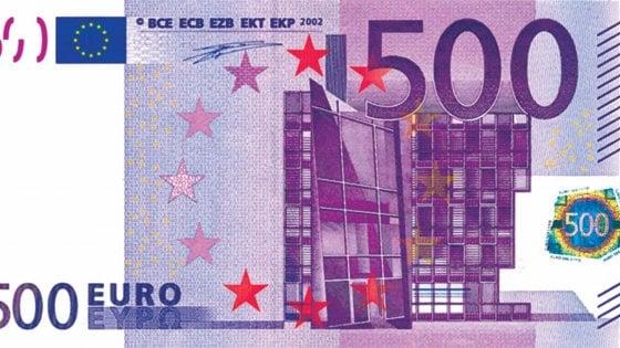 Sigarette borracce e cinture cos si nascondono milioni for Ecksofa 500 euro